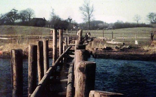 Stauertwedt - Bau der Brücke